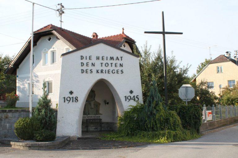 Mahnmal Gedenken der Toten der Weltkriege Krenglbach