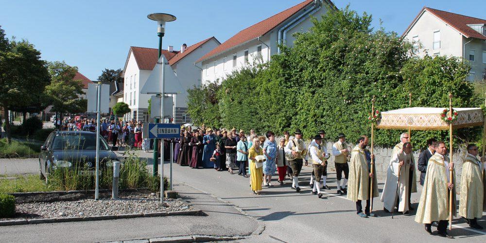 Fronleichnamsumzug in Krenglbach 4. Juni 2015
